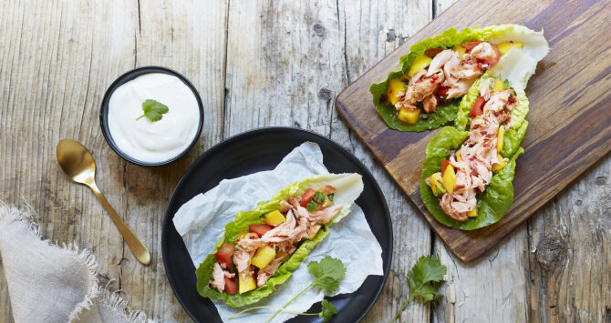 Pulled salmon taco i hjertesalat
